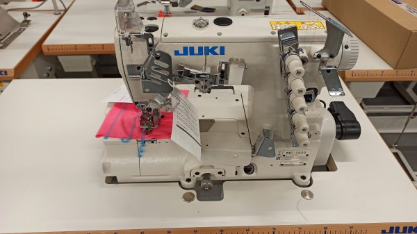 JUKI MF7523 U11 Coverlock Industrie Nähmaschine - Interlock - integrierter Servomotor