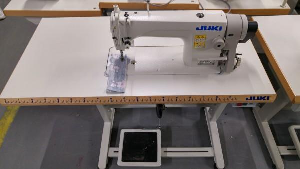 JUKI DDL 8700 - Industrie Nähmaschine - mit Servo Motor - NEU!